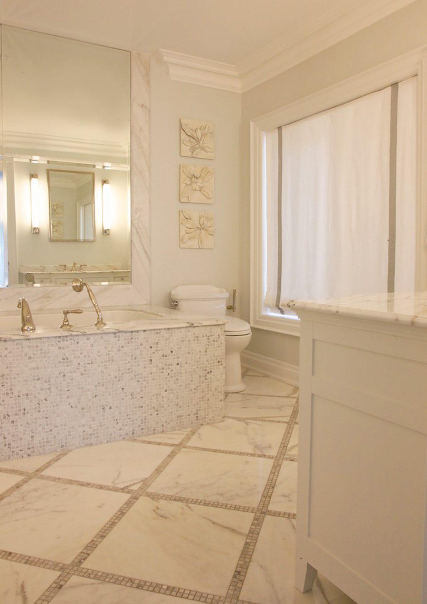 1883 - Ensuite Bathroom